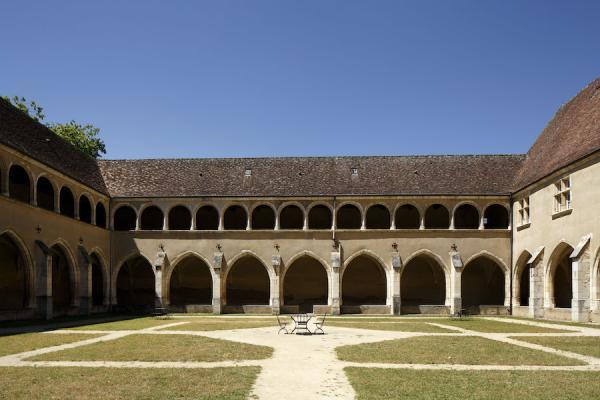 Monastère royal de Brou, deuxième cloître vu depuis l'est. (Image : © Franck Paubel - CMN.jpg – Photo de presse)