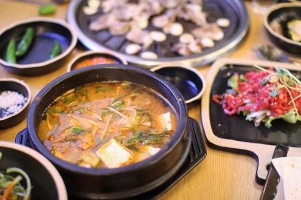 Le miso remplace agréablement le bouillon en cube. (Image :이동원 lee/Pixabay)