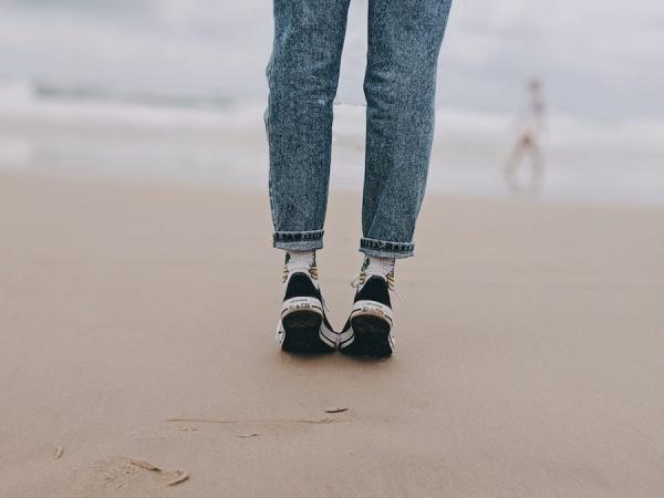Se tenir debout sur la pointe des pieds permet de restaurer l'équilibre entre le yin et le yang de façon indéniable.(Image :Pixels/CC0 1.0)