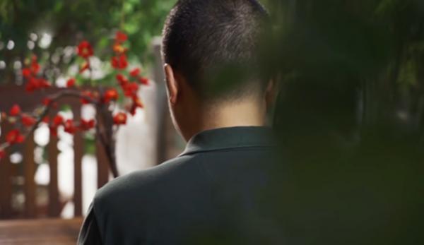 Un bouddhiste de la province du Liaoning a été arrêté pour avoir récité des mantras pour les défunts. (Image : Capture d'écran / YouTube)