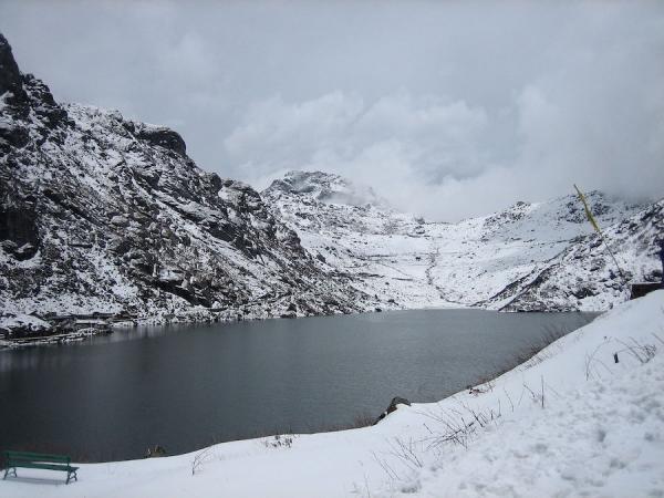 Le lac Tsomgo au Sikkim: les plus grands lacs de l'Himalaya se trouvent à 4600mètres d'altitude. (Image : Wikimedia  / Rodriguillo / Domaine public)