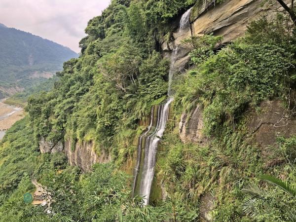La cascade de Shuiliandong le long du Caoling. (Image : Billy Shyu / Vision Times)