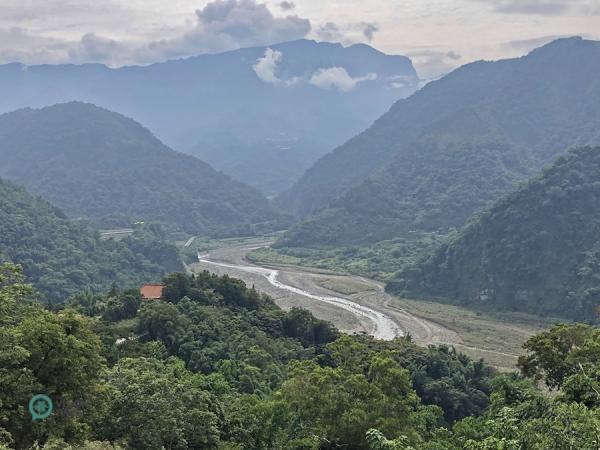 La vue magnifique sur la rivière «à l'Eau Claire» le long du sentier historique de Caoling. (Image : Billy Shyu / Vision Times)