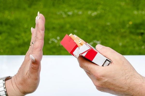 De nombreuses maladies respiratoires, telles que la pneumonie, la pharyngite chronique, la bronchite, le cancer du poumon, etc. sont liées au tabagisme. (Image : 该图片由 / Myriams-Fotos / 在 / Pixabay /上发布)