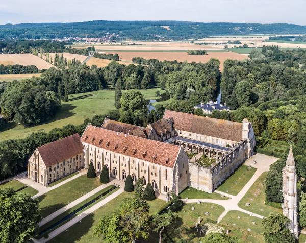 L'abbaye de Royaumont, véritable perle du Moyen-Âge