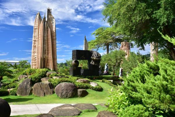 Il y a 11 stalactites de différentes tailles dans l'enceinte du temple. (Image : avec l'aimable autorisation du temple Dazhishan Xuankong)