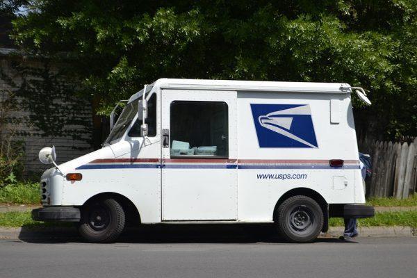 Un chauffeur de camion, sous-traitant de USPS, a vu qu'il manquait potentiellement 288 000 bulletins de votes dans son camion (Image : pixabay)
