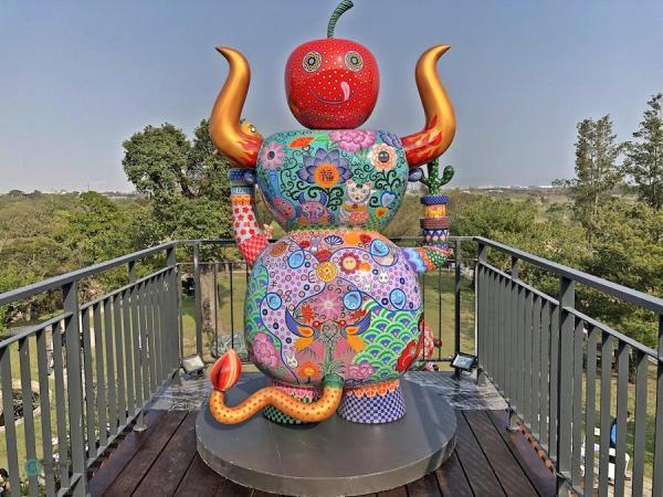 L'une des sculptures en acier de Hung Yi exposée à la galerie Hung Yi au sud de Taiwan. (Image : Julia Fu / Vision Times)
