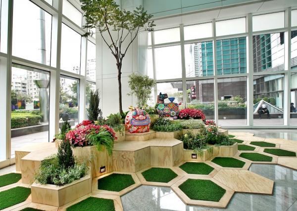 L'une des sculptures en acier de Hung Yi exposée au Taipei 101 à Taiwan. (Image : Galerie d'art Hung Yi)