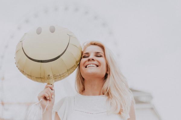 Des pensées plus positives favorisent un mieux-être physique. (Image :Ava Motive/Pexels)