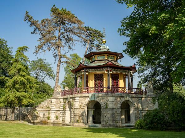 Le Pavillon chinois, vu de profil – Ce précieux monument est caractéristique des derniers exemples de pavillons chinois en France. (Image: office de tourisme de l'Isle-Adam -photo de presse)
