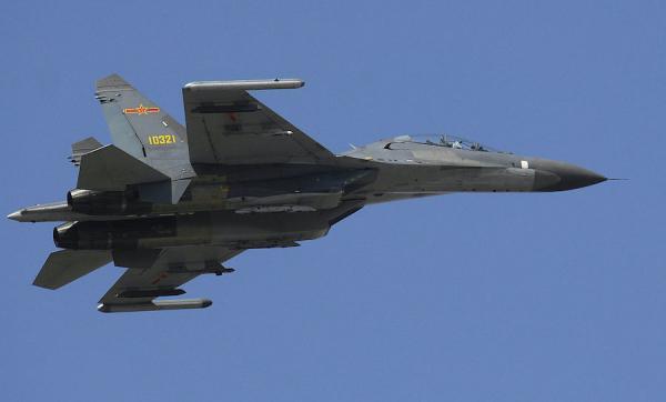 Un haut responsable de la Maison Blanche a fait part d'une inquiétude croissante concernant les récentes tentatives d'intimidation de la part de la Chine. (Image : wikimedia / Defense Dept. photo by U.S. Air Force Staff Sgt. D. Myles Cullen / Domaine public)