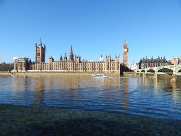 Le Royaume-Uni adopte un amendement sur le génocide