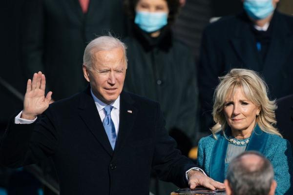 Joe Biden: la Chine doit s'attendre à une concurrence extrême