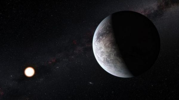 Représentation d'une des exoplanètes en orbite autour d'une étoile semblable au Soleil, HD 85512, dans la constellation méridionale des Voiles (Vela). Cette planète est l'une des 16 super-Terres découvertes par l'instrument HARPS du télescope de 3,6 mètres de l'Observatoire de La Silla au Chili.(Image : ESO / M. Kornmesser)
