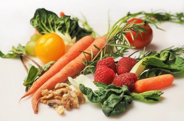 Les nutritionnistes ont ainsi souligné que la consommation des 6 types d'aliments suivants serait utile pour éliminer les toxines et les substances nocives. (Image : Devon Breen / Pixabay)