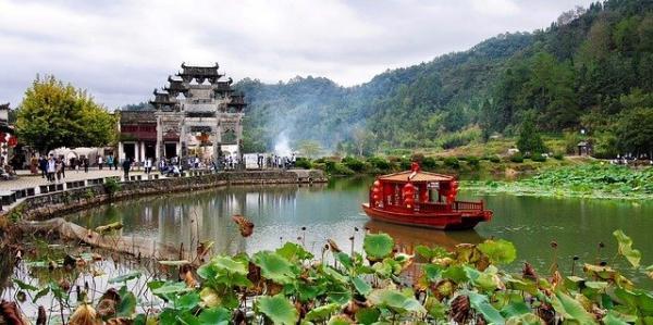 Les villages chinois, dernier bastion du riche patrimoine et des traditions chinoises, s'éteignent lentement. (Image :Anastasia Gepp/Pixabay)