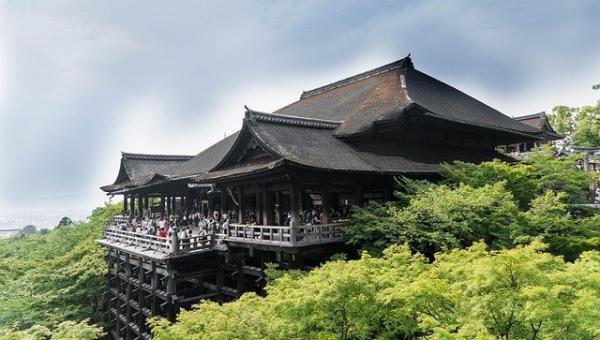 Il existe au Japon des sanctuaires et des temples en bois vieux de plus de 1 200 ans. (Image :Michelle Maria/Pixabay)