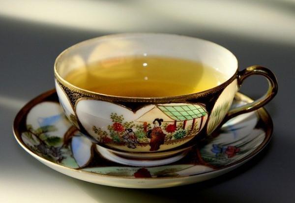 Le thé vert, riche en catéchines antioxydantes, peut aider à prévenir certains cancers et à éviter les coups de soleil. (Image :chezbeate/Pixabay)