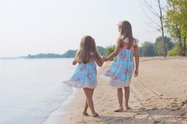 Quand on est enfant, il nous tarde de grandir pour pouvoir faire tous les «trucs» d'adultes, comme nos frères et sœurs plus âgés. (Image :Jill Wellington/Pixabay)