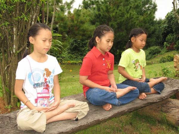 La méditation se fait à tout âge et elle est bénéfique pour chacun. (Image :Honey Kochphon Onshawee/Pixabay)