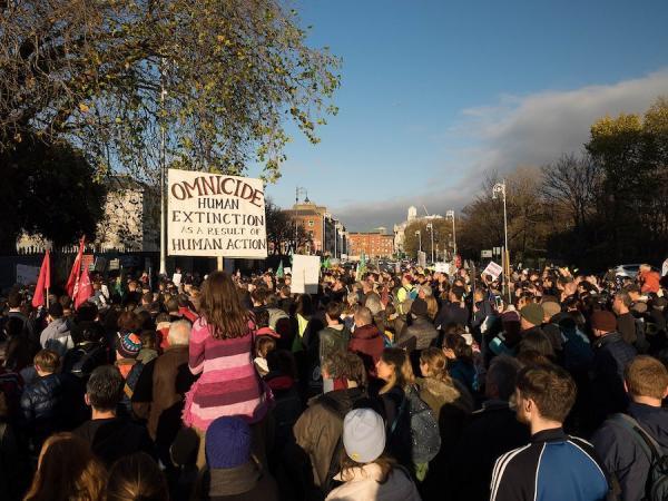 Des militants du groupe écologique «Extinction Rebellion». (Image : wikimedia / Sebastian Dooris / CC0)