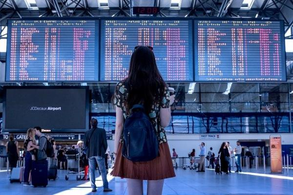 Les personnes qui se rendent dans d'autres pays sans raison valable pourront se voir infliger une amende de 5 000 livres. (Image :Jan Vašek/Pixabay)