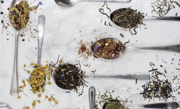 Il existe de nombreuses variétés de thés bénéfiques pour la santé. (Image :Alice Pasqual/Unsplash)