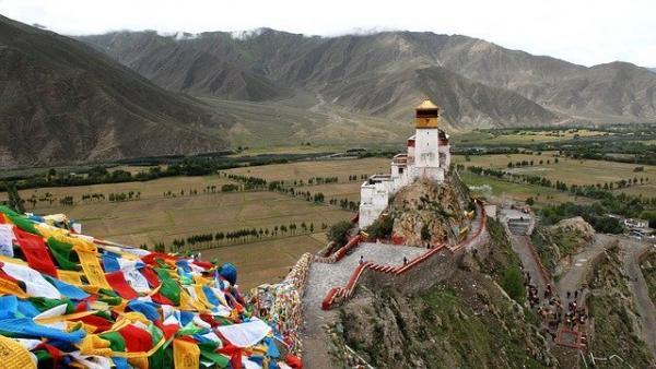 Le bouddhisme tibétain est une fusion du bouddhisme tantrique d'origine indienne, ou Vajrayāna, avec le bouddhisme Mahāyāna et de nombreuses croyances autochtones tibétaines. (Image : Herbert Bieser / Pixabay)