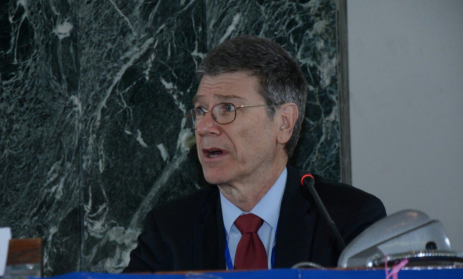 Le président de la commission Covid du Lancet a des liens avec la Chine