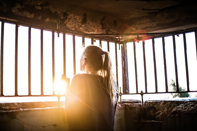 Royaume-Uni: pendant les périodes de confinement, le suicide a fait cinq fois plus de morts chez les jeunes que la Covid-19
