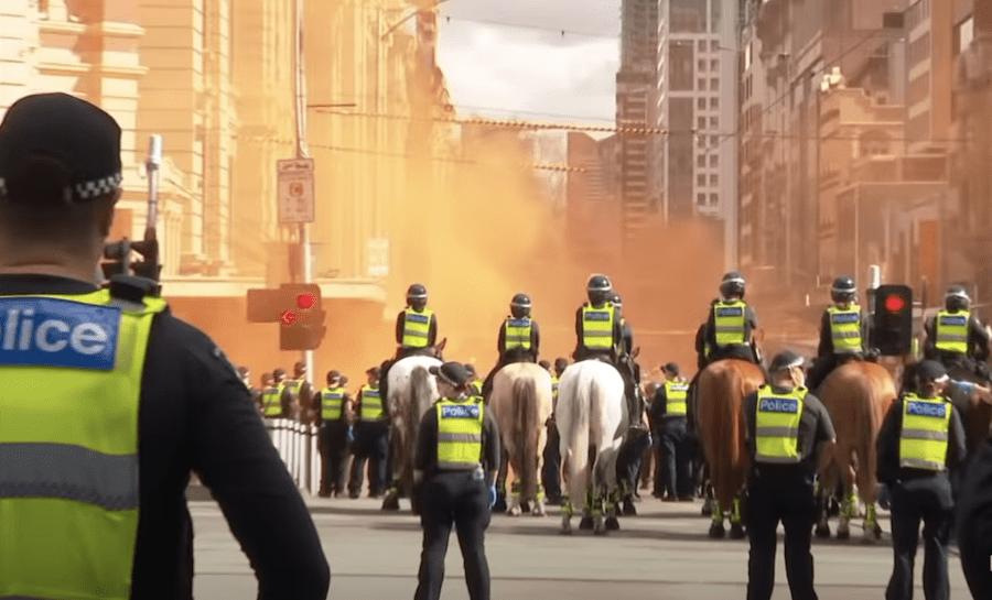 Australie: la police intervient lors des manifestations à Melbourne après plus de 200 jours de confinement