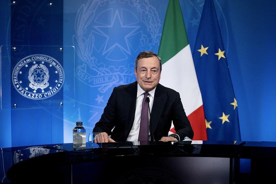 L'Italie envisage la vaccination obligatoire ainsi que l'extension du passeport vaccinal aux supermarchés