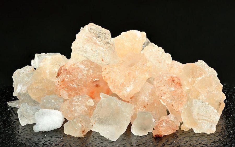 Le selde table ou le sel de mer : lequel est le meilleur pour la santé?