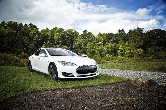 La voiture électrique : pour ou contre